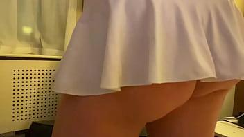 Emma Kohn thick heavy ass show