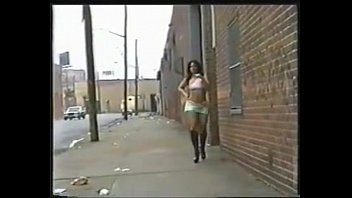 What is her name? lightskin booty anal girl - gangbang