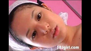 จ้องหน้าแล้วเงี่ยนนมอย่างใหญ่เด็ดมากหนังโป๊ญี่ปุ่นสาวหมวยหุ่นแซ่บ