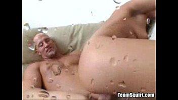 Squirting Babe Makes it Rain - jakesporn.com