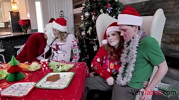 Streaming Video Family Gangbang For Christmas Breakfast- Summer Hart & Charlotte Sins - XLXX.video