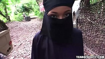 cover video Arab Girl Must Wear Hijab While Getting Fucked