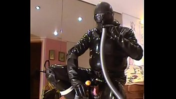 Roxina20020RubberBizarreTube041002.WMV real amateur upskirt
