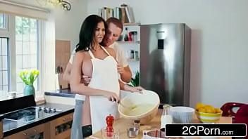 British TV Chef Jasmine Jae Getting Fucked While She Cooks