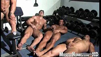 Bodybuilding cumshot...