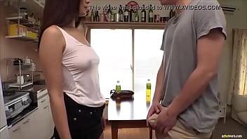 Hiếp dâm bạn gái nứng lồn mới quen tại nhà