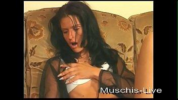 Nadine masturba tes for you