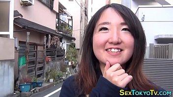 Japanese babes flashing...