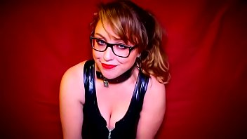 Feminist Laci Green gets ready for BDSM session