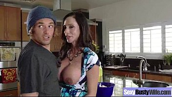 Sex Action With Big Round Boobs Housewife (ariella ferrera) video-06