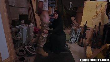 Arab Prostitute d Woman Sucks Humongus Cock umongus Cock