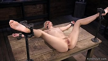 xxarxx Spreaded legs blonde in bdsm vibrated