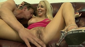 Samantha has some fun anal