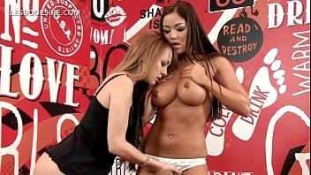 Lesbin sexual orgee vidia