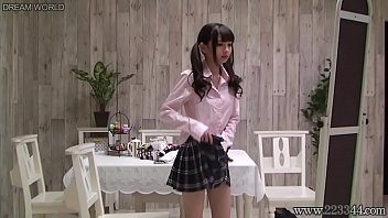 XVIDEO Japanese schoolgirl change uniforms