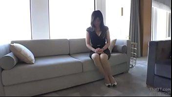 「おっぱいにかけてっっ♡♡」セクシーランジェリーなお姉さんと高級ホテルで身体を求め合う衝撃映像流出!!