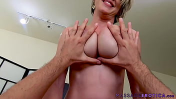 Broom receives massage with blowjob and fuck unprotected
