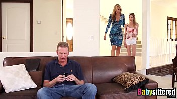 Streaming Video Little nanny Angel Smalls shares big cock with Julia Ann - XNXX.city
