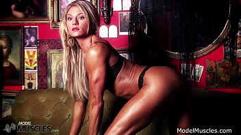 Abby Marie pulls some stunning hot muscle poses