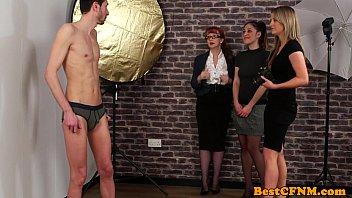 Streaming Video Male model gets handjob - XLXX.video