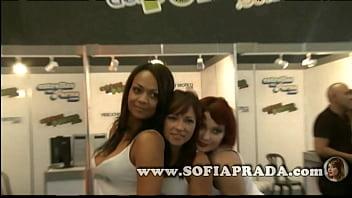 Sofia prada para actricesdelporno en el salon erotico de barcelona 2011