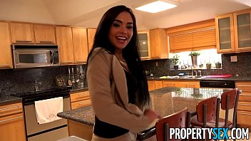 PropertySex - Client finds out hot Latina real estate agent is pornstar  #1140285