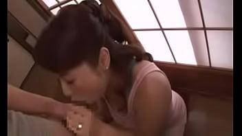 五十路の熟女痴女、和田百美花の誘惑口内発射フェラ無料エロ動画。【和田百美花動画】