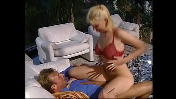 The party at home turns into group sex orgy porno orgy