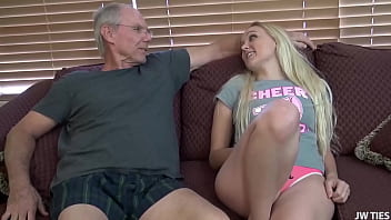 Streaming Video Double Stuffed Daughter For Thanksgiving low res - XLXX.video