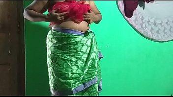 desi  indian horny tamil telugu kannada malayalam hindi vanitha showing big boobs and shaved pussy  press hard boobs press nip rubbing pussy masturbation using green candle amateur pics sexy