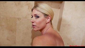 xxarxx Mom takes sons dick in, in bathtub!