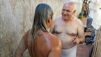 Sex Cu Un Mosulet Fute O Blonda