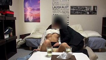【人妻 隠し撮り】欲求不満美人淫らスケベな人妻の隠し撮りプレイ動画。【xvideos動画】
