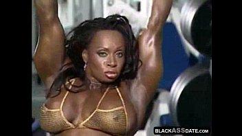 Bodybuilder ebony modelling