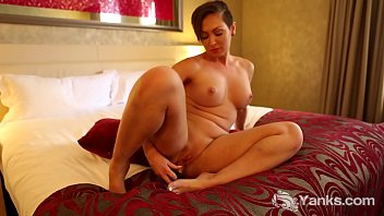 Yanks Yasmin Fingers Herself To Ecstasy On Her Bed