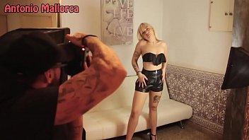 Tanara Din Slobozia Pozeaza Nud La Webcam