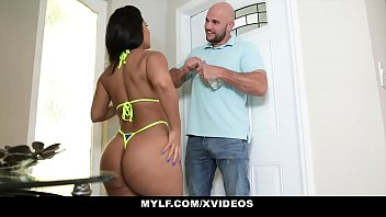 Streaming Video MYLF - Worshipping Rose Monroes Extra Thick Ass - XLXX.video