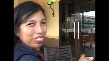 Peruana con gringo - rosa