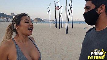 Realizei meu sonho na Praia de Copacabana ,comi Monique Lopes atriz pornô ,Obrigado Festa Prime Completo No Red thumbnail