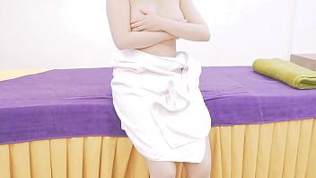 Massage Ngực Một Em Hotgirl Xinh Tươi, Nóng Bỏng, Hàng Cực Khủng Làm Em Gái Lên Đỉnh Rên Ư Ứ....