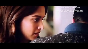 Ranveer amp deepika hot kissing scene...