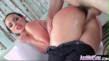 Horny Superb Girl (Nikki Benz) With Big Butt Take It Deep In Her Ass vid-26