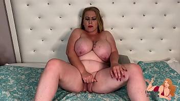 Huge Tit MiLF Desiree Deluca FIngerBangs Herself on Camera
