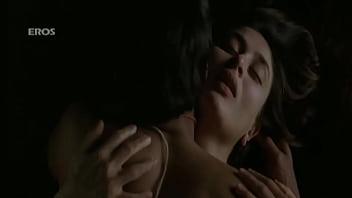 kareena hottest backless sex scene