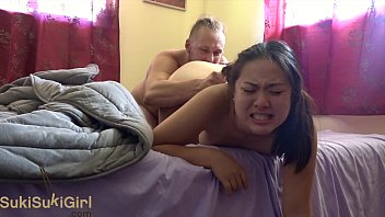 XVIDEO She squirts when he cums! ( @sukisukigirlreal / @andregotbars )