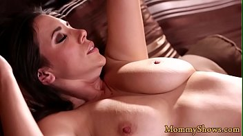 Busty stepmom gets her trimmed pussy licked