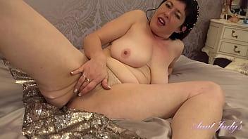 AuntJudys – 42yo Big Tit MILF Janey jerks you off &amp_ sucks your cock (Virtual POV)