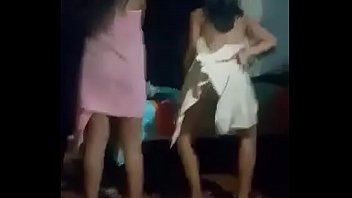 Me bailan y las grabó :v