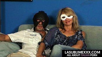 cover video Donna Delle Pulizie Russa Si Fa Scopare Ad Un Casting