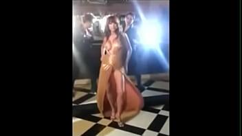 Download video sex 2020 accidentally anushka sharma 039 s boobs exposed during the shooting of bombay velvet online - VideoAllSex.Com